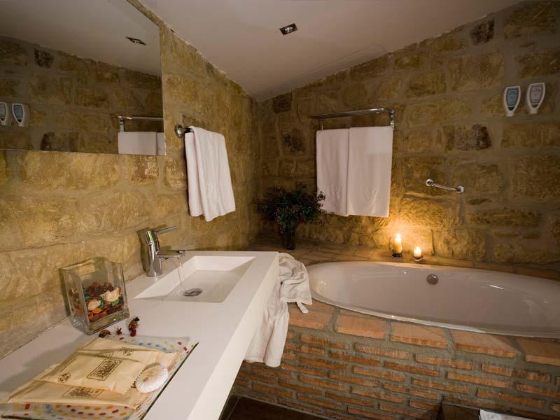 habitaciones dobles especiales hotel encanto la rioja bano