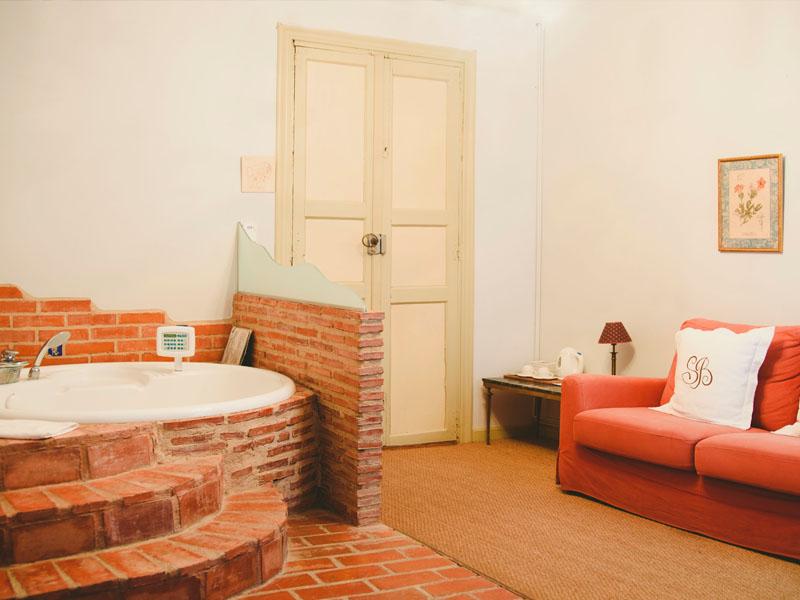 suite clasica con jacuzzi 4